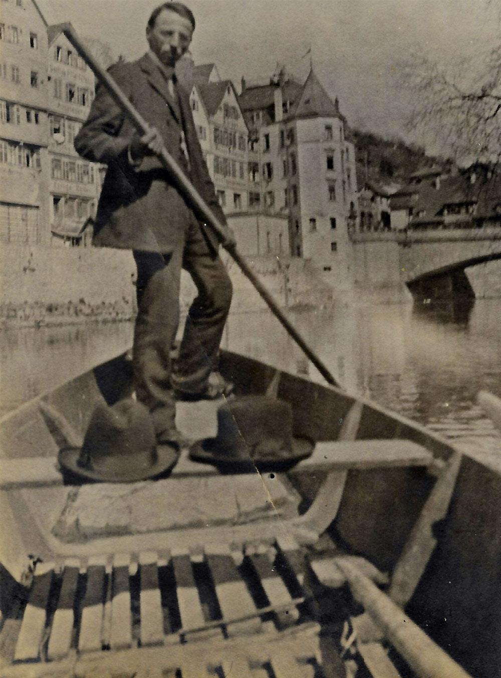 Historischer Stocherkahn Tübingen
